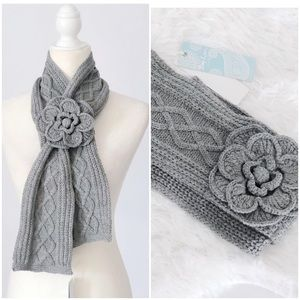 NWT Mud Pie Cable Knit Scarf • Gray
